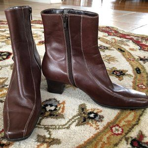 Anne Klein Vintage Brown Leather Square Toe Boots